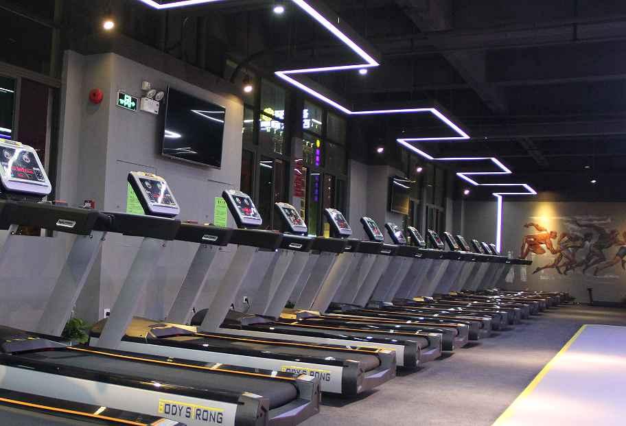 开一个私人健身工作室多少钱