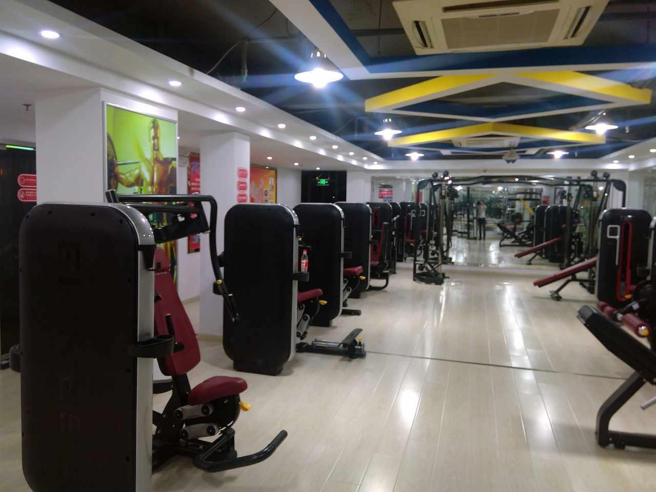 健身房人员配置组织与结构