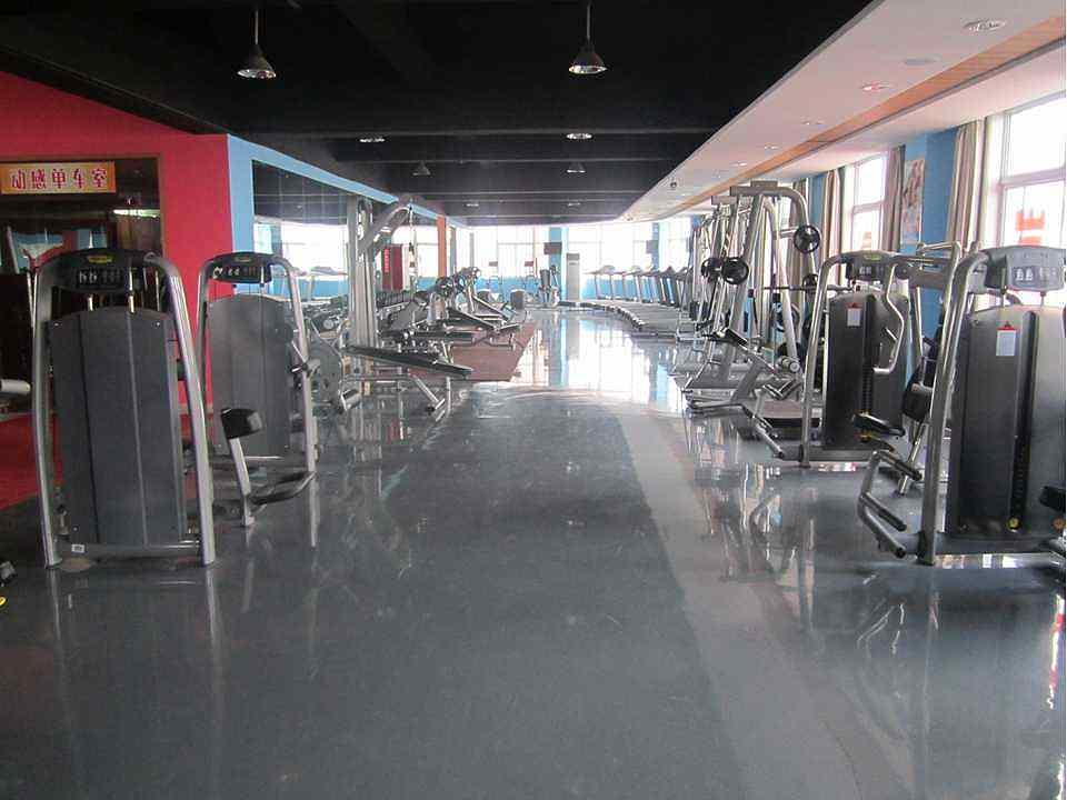 信阳开健身房多少钱,健身俱乐部加盟多少钱