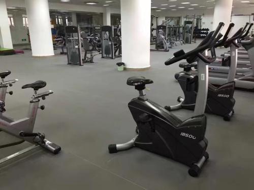 哪里开健身房比较好