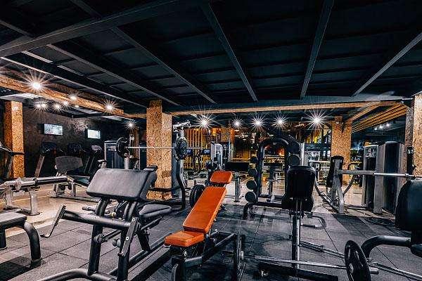 开健身房赚不赚钱