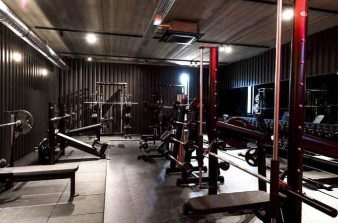 开健身房赚钱吗